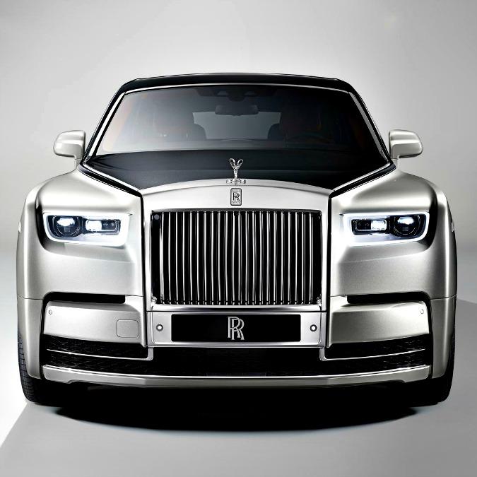 Rolls-Royce Phantom 2018, l'opera d'arte su misura – FOTO