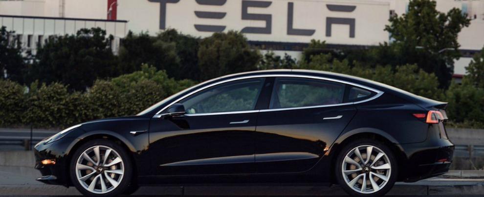Tesla, rinviati gli obiettivi di produzione della Model 3. I conti non tornano