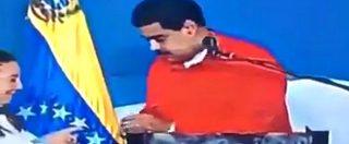 Venezuela, imbarazzo per il presidente Maduro: il meccanismo di registrazione del voto fa cilecca in diretta tv