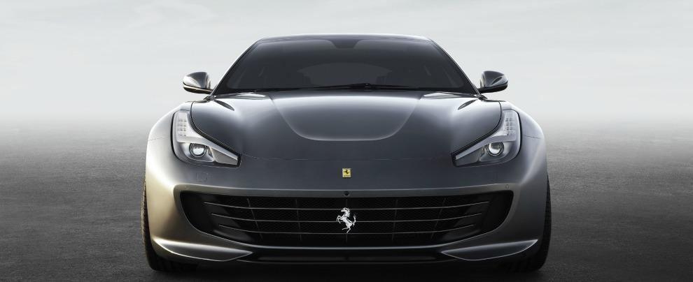 Le automobili? A noi italiani piacciono grigie. O al massimo bianche