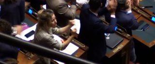 """Vitalizi, Rampi (Pd) accusa Giulia Grillo (M5S): """"Ha fatto il gesto dei diti medi"""". Ma il video la scagiona"""
