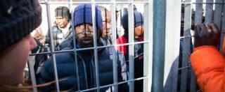 """Migranti, Padoan: """"Nel 2017 spenderemo 4,2 miliardi"""". Nel 2016 quadruplicati fondi per i centri straordinari: 1,7 miliardi"""