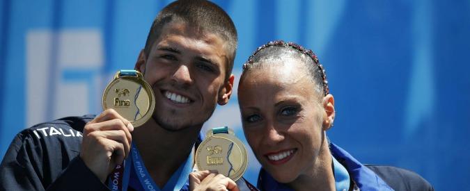 """Mondiali di nuoto, duo Minisini e Flamini conquista l'oro nel sincronizzato misto portando in acqua """"L'urlo da Lampedusa"""""""