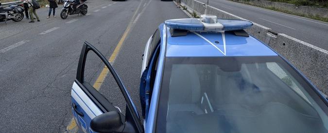 Lodi, polizia stradale blocca gita di alunni: autista autobus era ubriaco