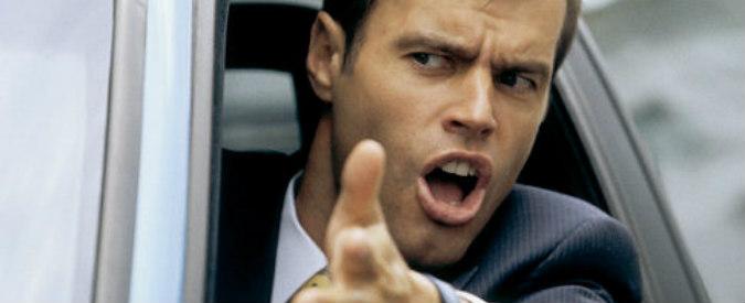Stress alla guida, perché diventiamo violenti al volante?