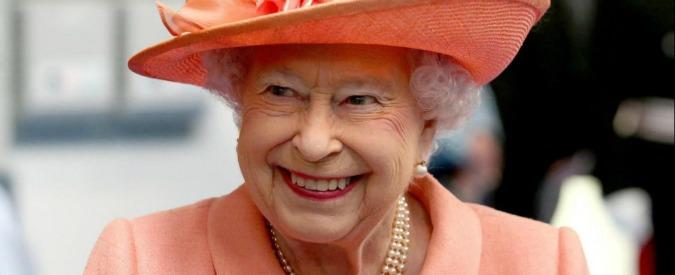 Gran Bretagna, la Regina Elisabetta ha scelto il suo primo scudiero nero: è un veterano dell'Afghanistan nato in Ghana