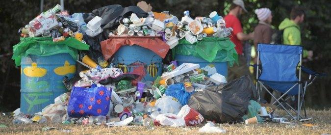Tassa sui rifiuti, i Comuni hanno sbagliato i calcoli: bollette della Tari raddoppiate. Il ministero ammette l'errore