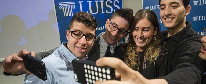 Selfie generation, chi sono gli egomostri che esibiscono se stessi