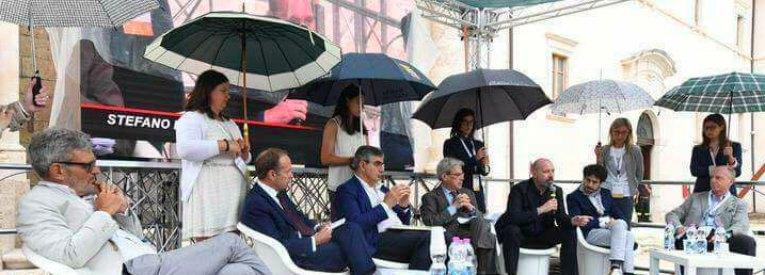 Dall'Abruzzo un'idea per il futuro dei giovani: basta portaborse, avanti portaombrelli