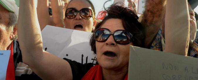 Tunisia, passa la legge contro la violenza. C'è vento di diritti per le donne