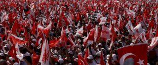 """Turchia, centinaia di migliaia in corteo contro Erdogan. L'opposizione in piazza a Istanbul: """"Marciamo per la giustizia"""""""