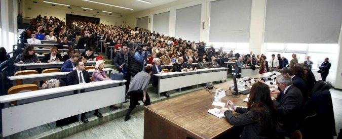 """Università, lo sciopero dei docenti contro il blocco stipendi mette a rischio gli esami autunnali: """"Siamo discriminati"""""""