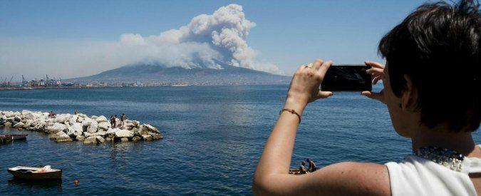 Incendi, se non ci lamentiamo è perché siamo assuefatti al terrorismo ambientale