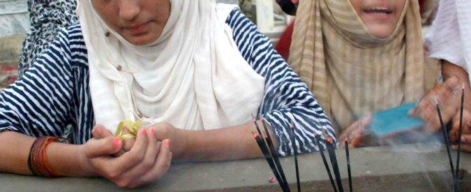 Pakistan, violenta una 12enne. Consiglio del villaggio ordina: 'Stuprate sua sorella'