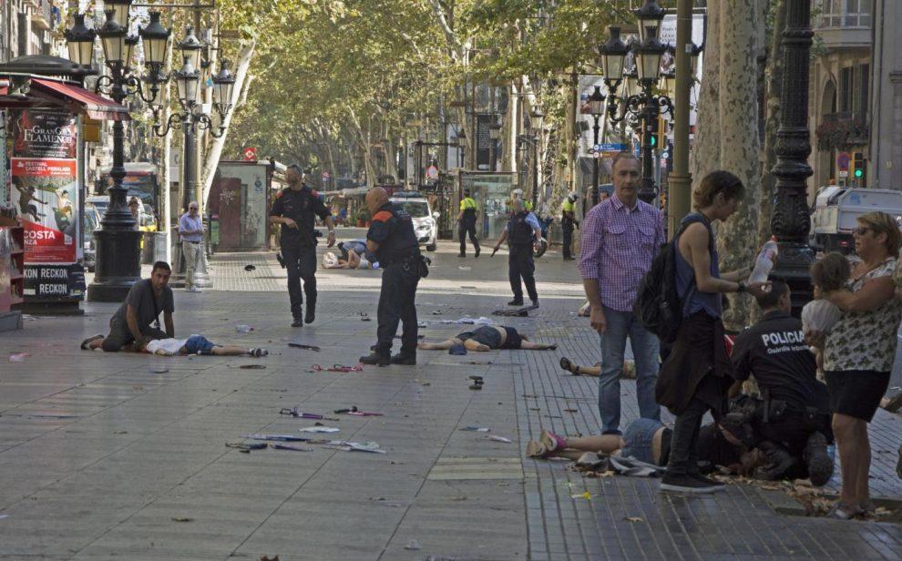Risultati immagini per attentato a Barcellona immagini