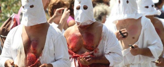 Benevento, mille battenti chiudono i Riti Settennali di Penitenza. Alla processione presenti oltre 100mila persone