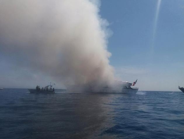 Nizza, a fuoco lo yacht dell'imprenditrice Diana Bracco: le immagini del salvataggio