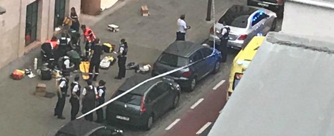 """Bruxelles, uomo armato di coltello attacca due militari: neutralizzato dalla polizia. Media: """"Urlava Allah Akbar"""""""