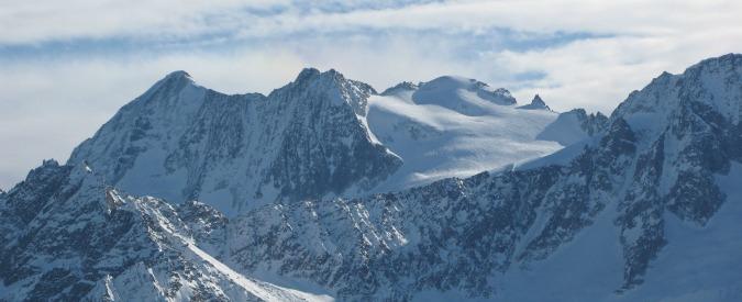 Trentino, incidente durante scalata in cordata: due morti e sette feriti. Tra le vittime il meccanico privato di Max Biaggi