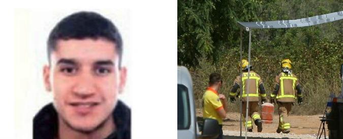 """Attentato Barcellona, 3 italiani tra i 14 morti. Un terrorista in fuga: """"Forse in Francia"""". Nel covo 106 bombole di butano"""