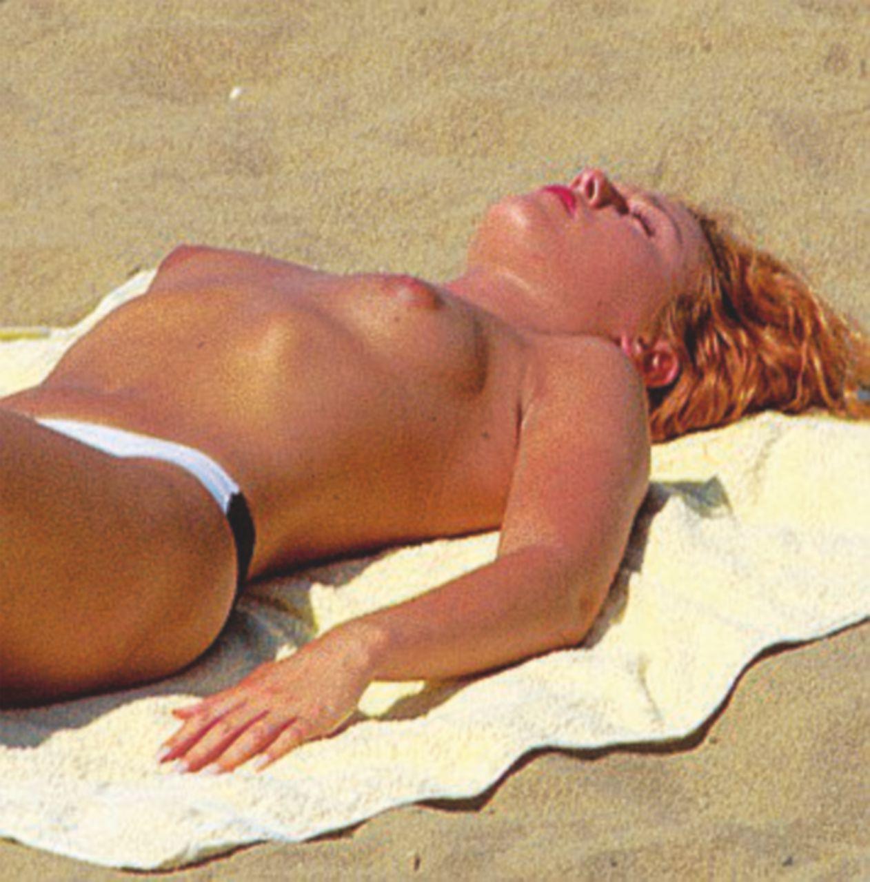 """Il topless: da scandalo a """"puerile"""" provocazione"""