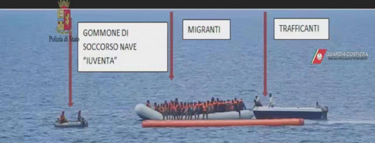 """Migranti, i testimoni sulla Iuventa: """"Dicevano: 'Più salvataggi faremo e più donazioni riceveremo'"""""""