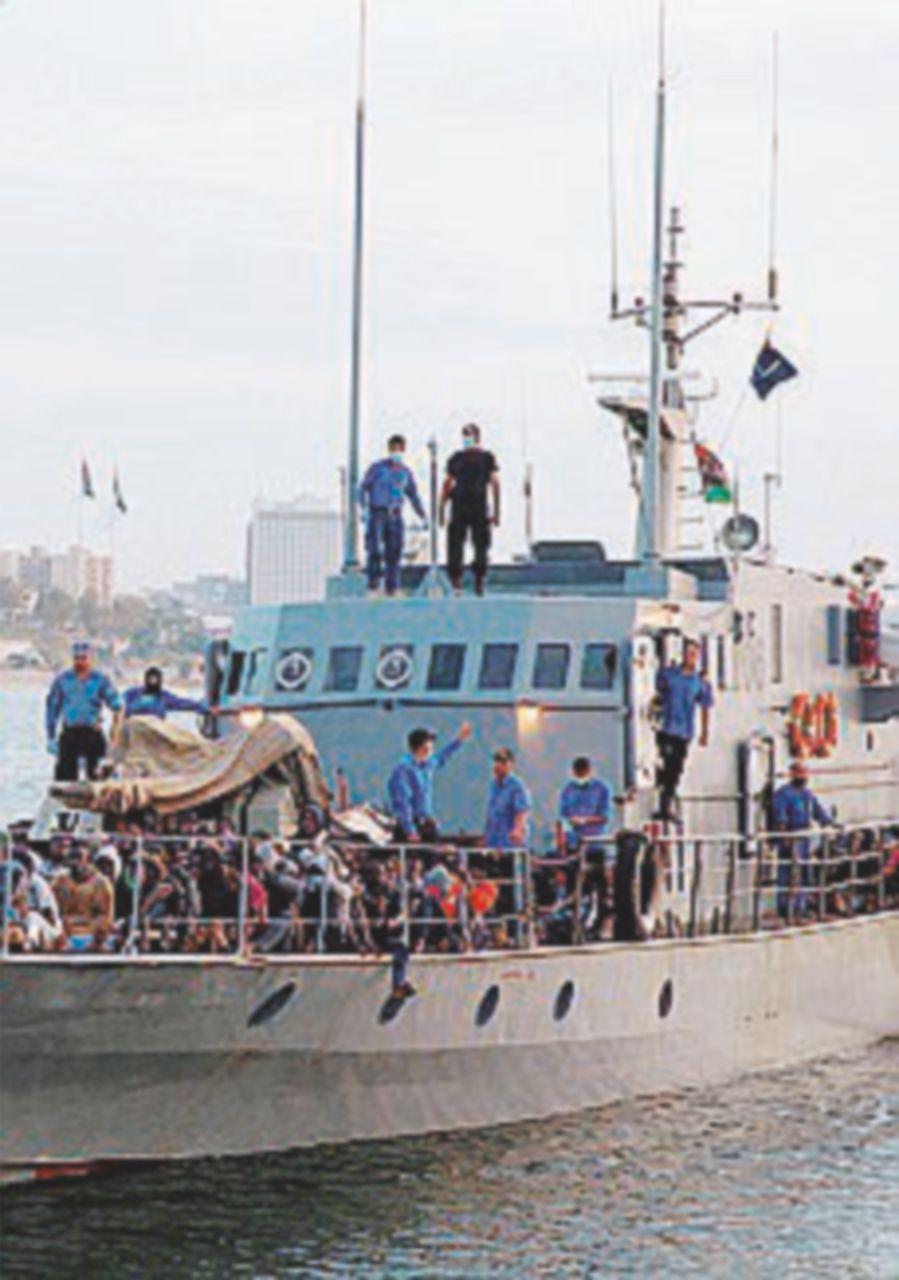 """La Marina di Tripoli: """"Difenderemo la nostra sovranità"""""""