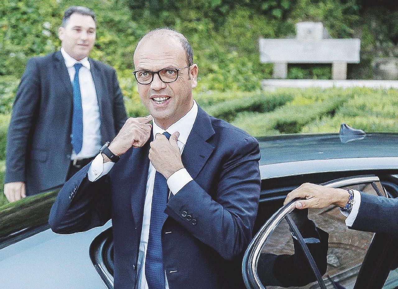 Sicilia, tutti vogliono Alfano e le sue clientele porta-voti