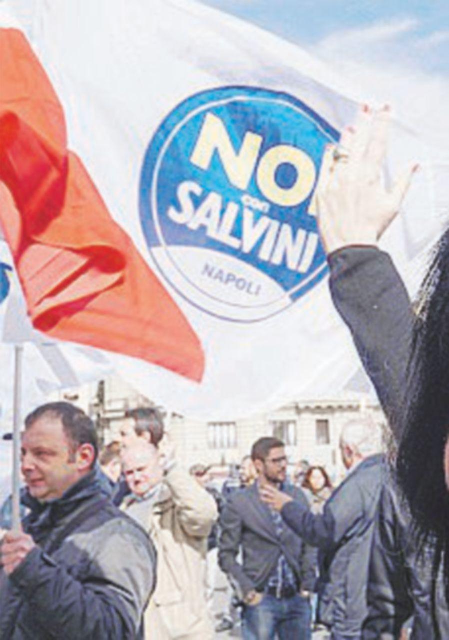 "Lista Salvini firma manifesti pro Duce ""Meglio di Renzi"""