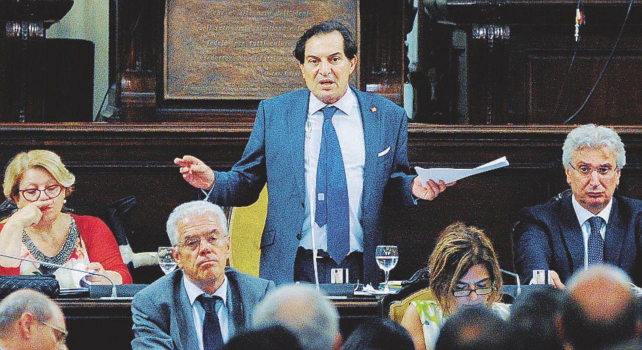 Assunzioni e nuove spese, la Sicilia va in ferie