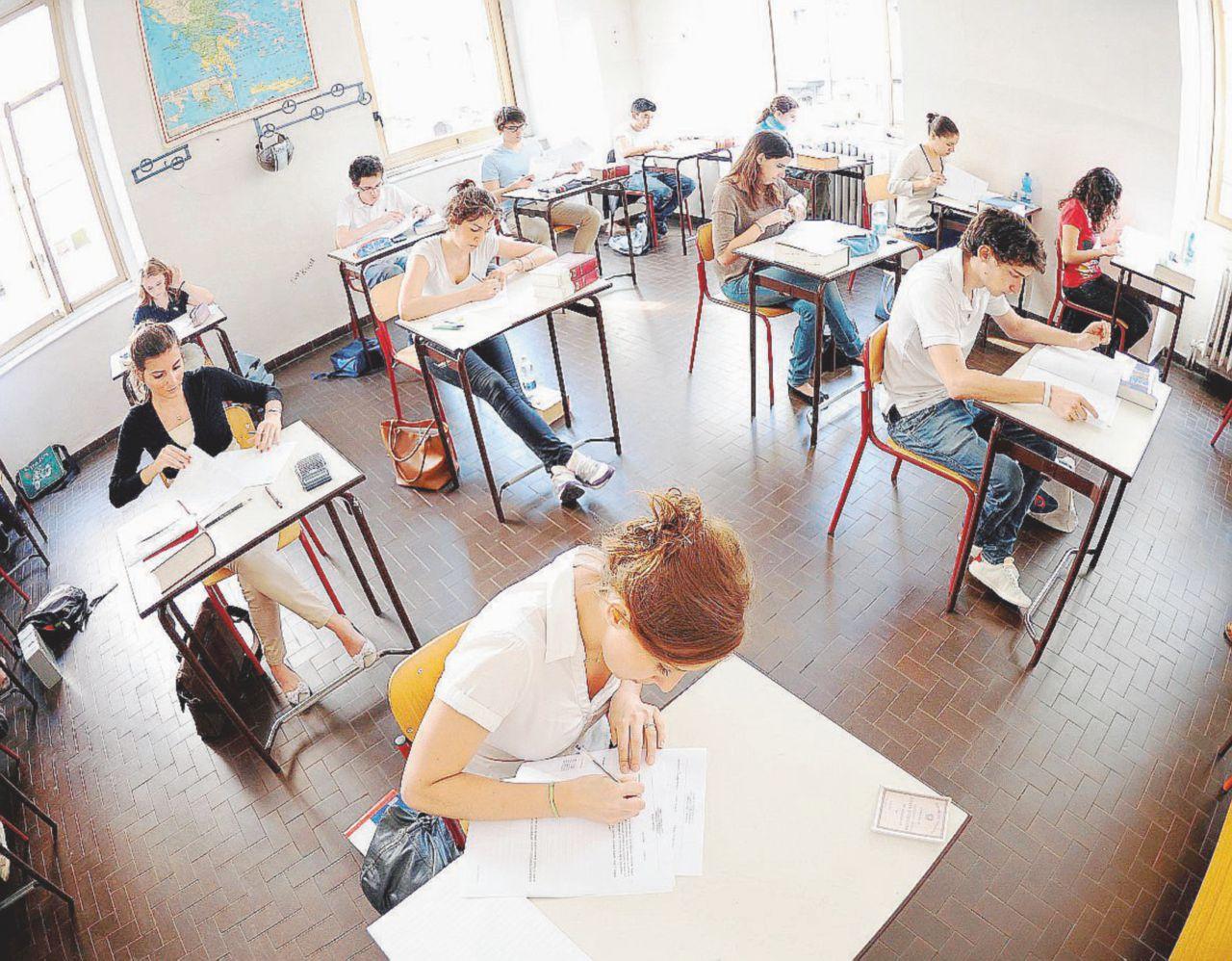 Liceo di 4 anni: meno scuola e meno (40 mila) professori