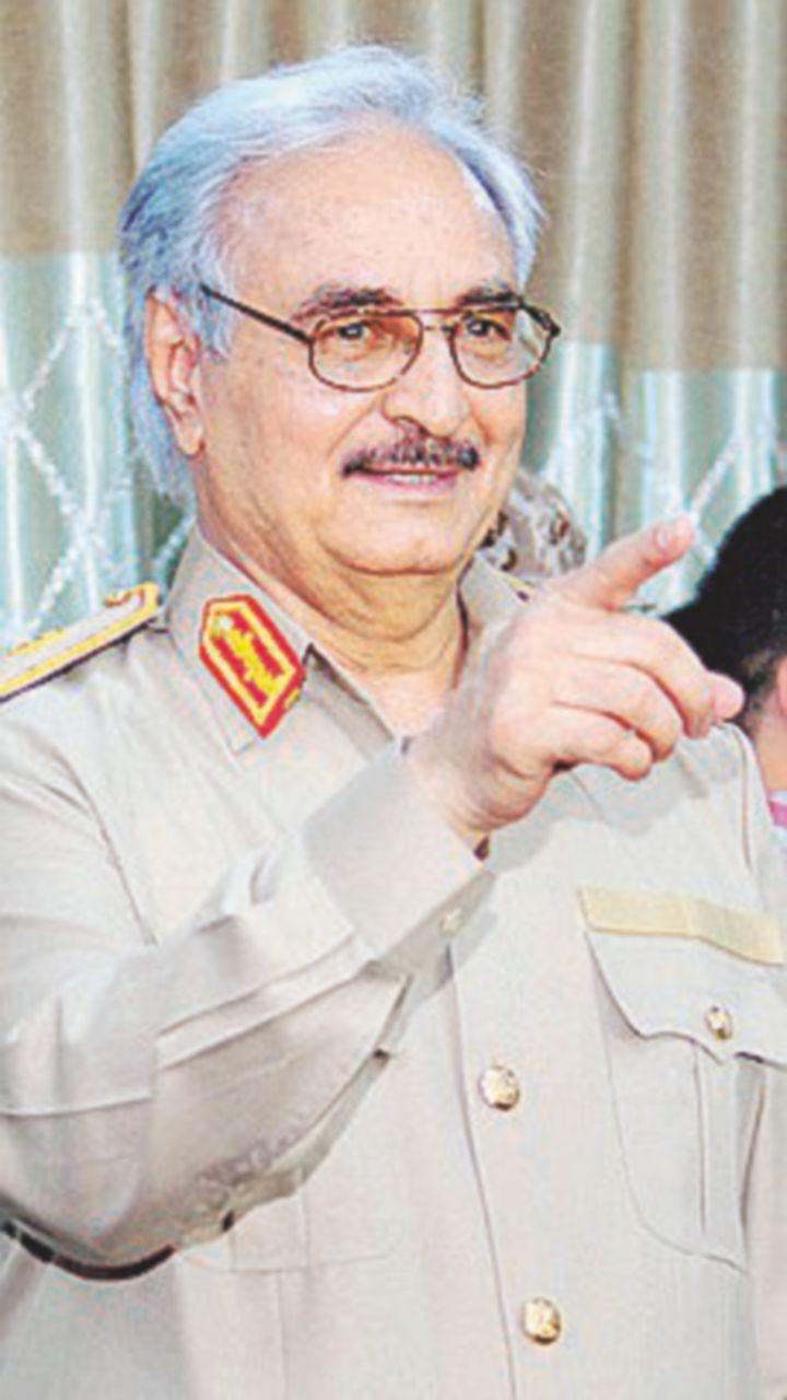 Haftar va a trattare a Mosca