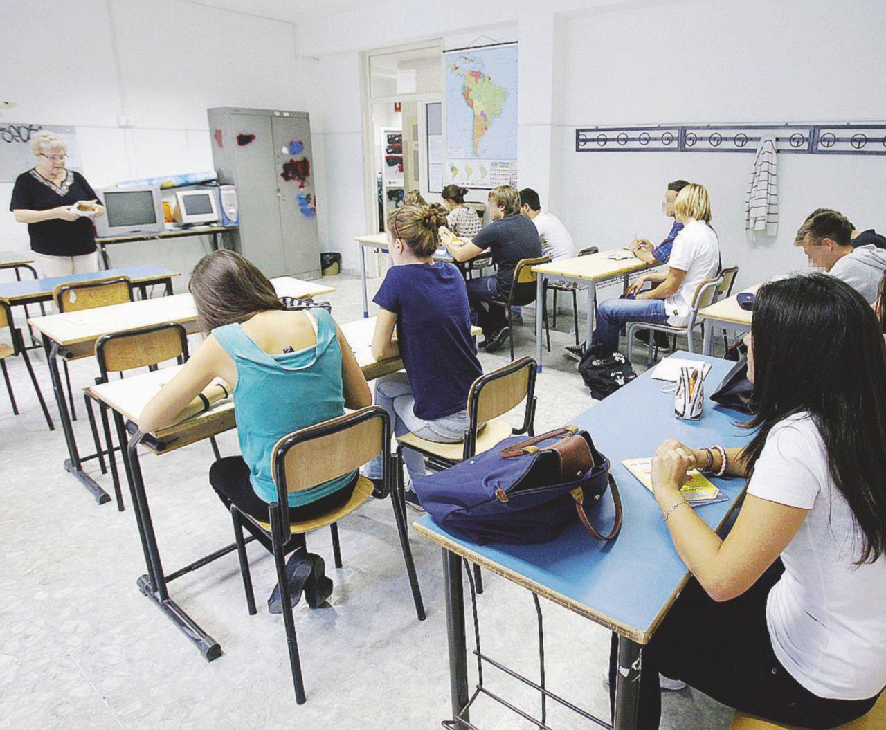 """""""Approssimazione e caos: il liceo breve non funziona"""""""
