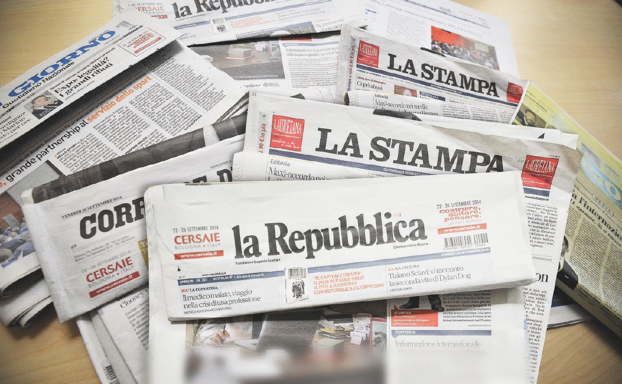 Bufale e iperboli, l'estate bollente dei media in crisi