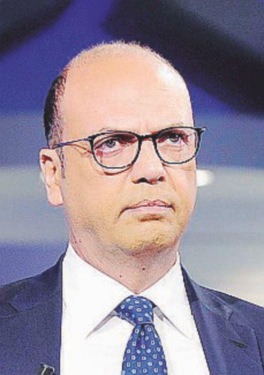 """Meloni mette il veto su Angelino. Schifani: """"Bisogna stare uniti"""""""
