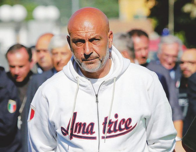 """Il sindaco Pirozzi, Alberto Sordi della politica che dà del tu ai potenti: """"È per la mia gente"""""""
