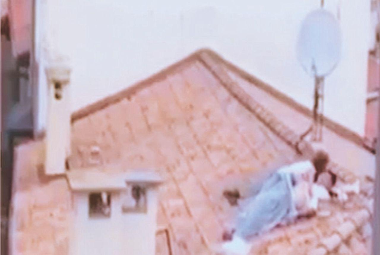 """""""Sul tetto o in strada, ci piace il rischio di essere beccati"""""""