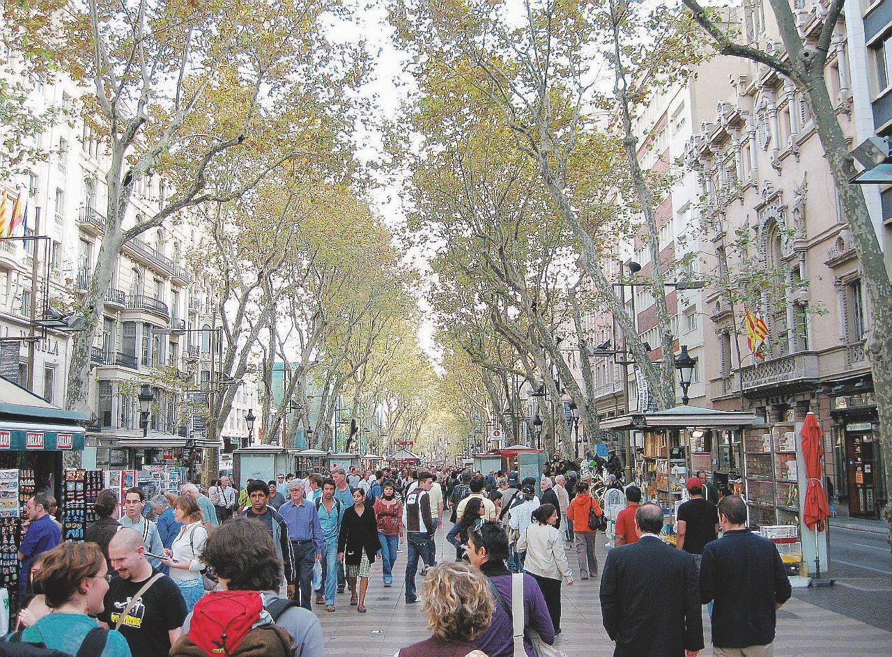 Il mito delle Ramblas, da porta della nuova Spagna a eccesso pop