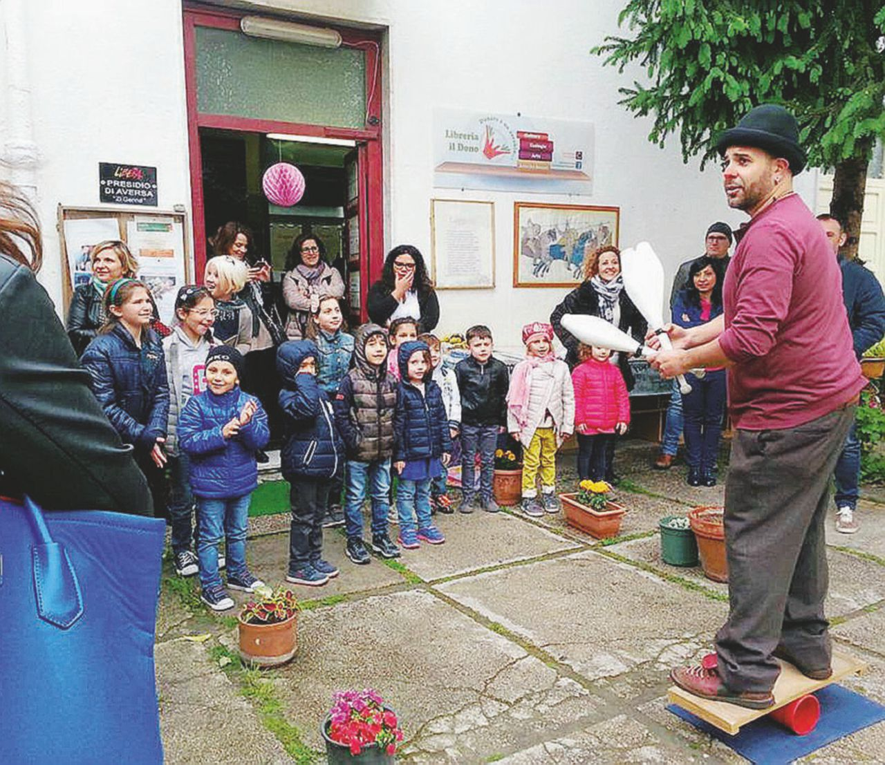 Il sindaco plurinquisito sfratta la libreria sociale