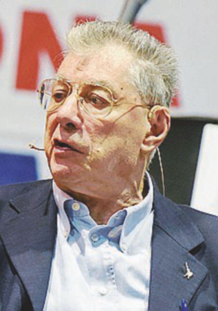 """Bossi: """"La svolta federalista dei grillini? Tutta da dimostrare"""""""