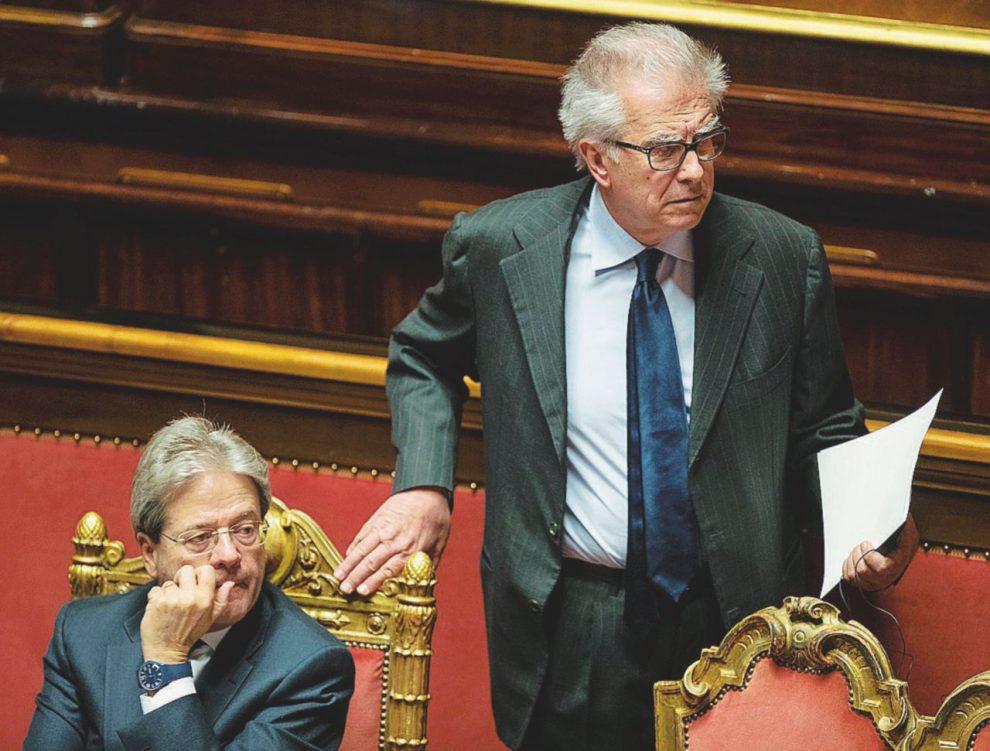 In trincea – Il capogruppo dem Zanda e il senatore Ugo Sposetti – Ansa/LaPresse