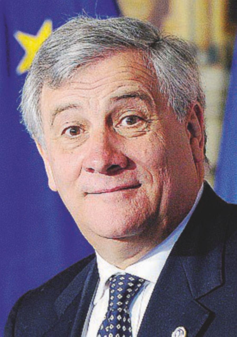 """Tajani: """"Chiudiamo le moschee  dopo la preghiera"""""""