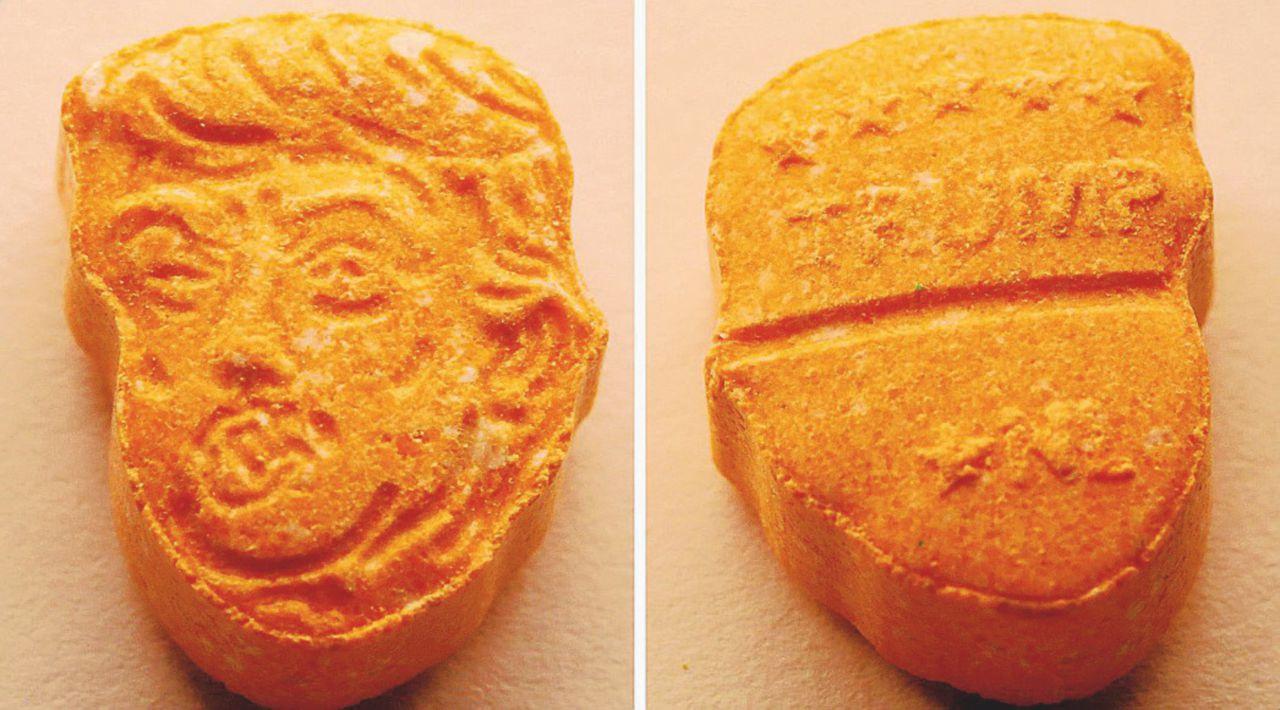 Un presidente da sballo: pasticche di ecstasy con la faccia di The Donald