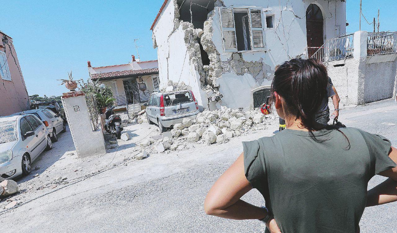 """""""È stato un sisma come tanti, ma a Ischia ha fatto più male"""""""
