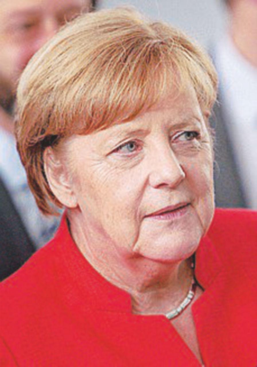 Da Angela Merkel solidarietà e il suo albergatore protesta