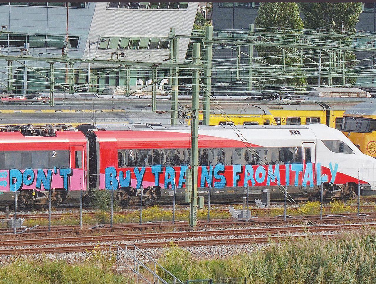 I treni bidone scartati in Ue presi da Ferrovie per l'Italia