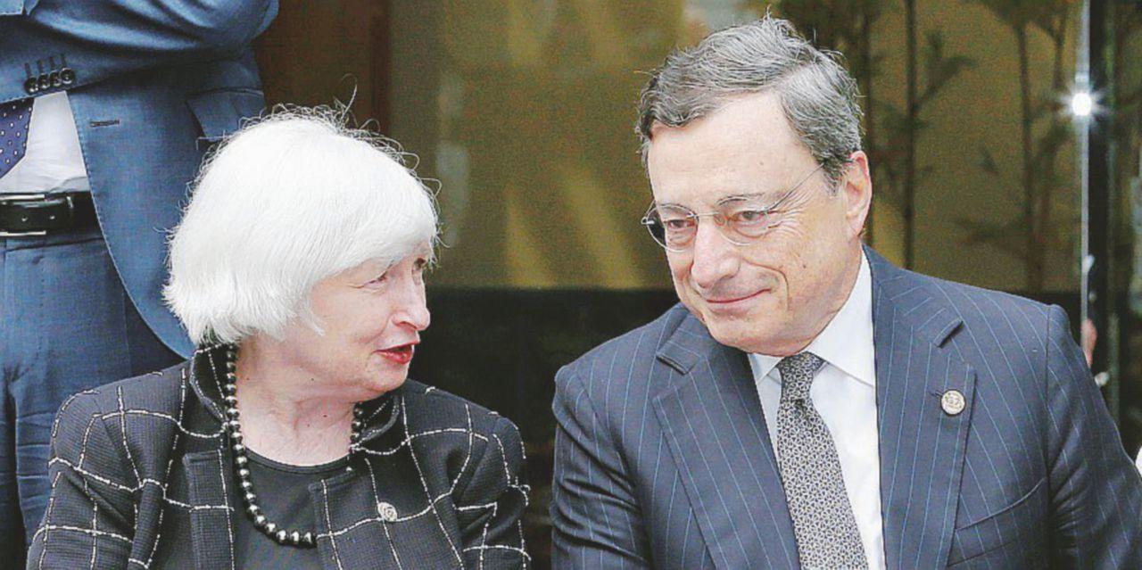 Draghi e Yellen, i tassi bassi aiutano l'economia. Il vero rischio è Trump