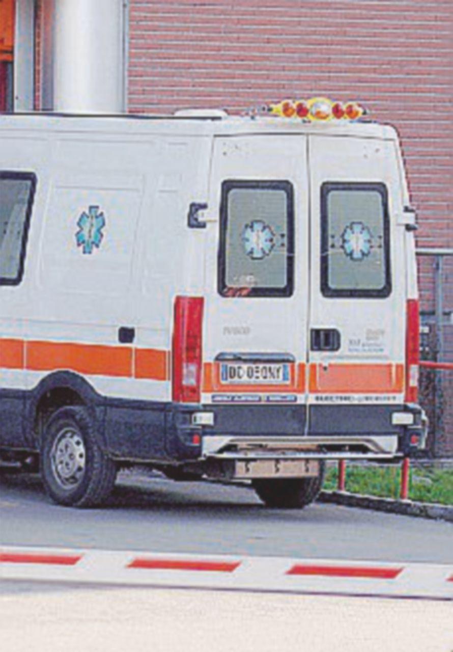 """""""È morto aspettando, ma le ambulanze c'erano eccome"""""""