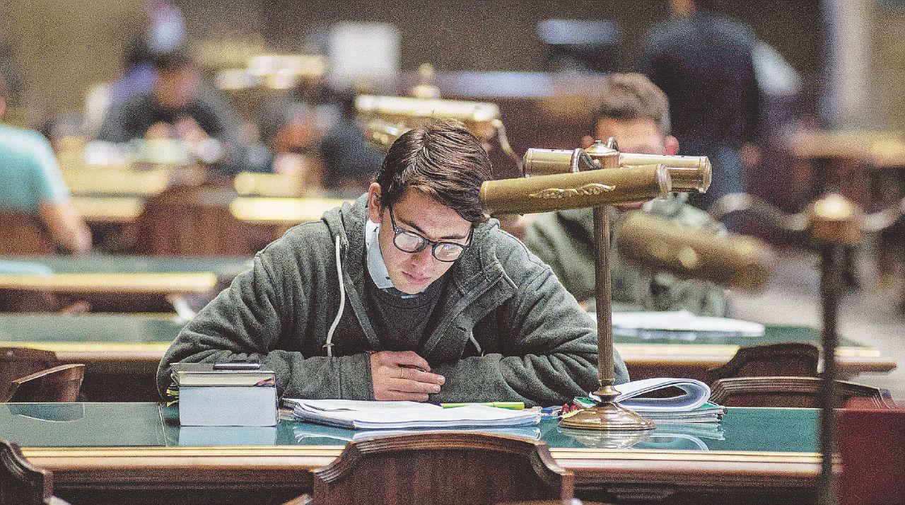 """""""Non si legge tutto, ma se vuoi fare lo scrittore studia i classici"""""""