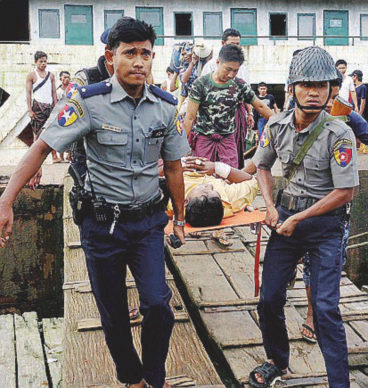 Rohingya, cannonate dal Nobel per la pace